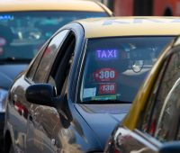 Bono Covid para taxistas y transportistas de $350 mil, revisa cómo postular